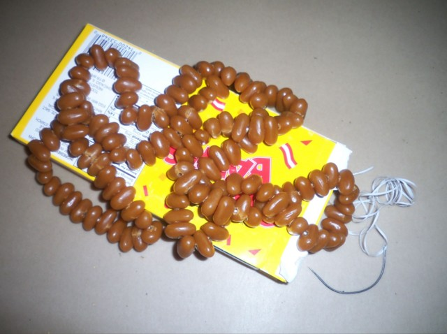 This took WAY too long (2-3hrs all beads, then threading), so only one sugar babies amber necklace for the pirate booty!