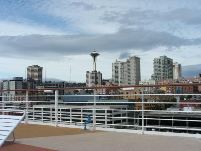Look fast - blue sky in Seattle!