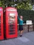 Britta hasn't had a phone box photo since 1996, so why not strike a pose? ;)