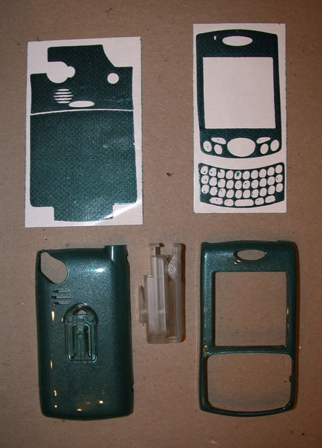Teal Treo 650 accessories before assembly
